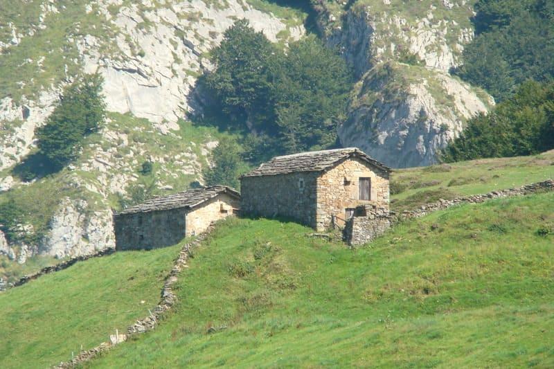Restauracion De Cabana Pasiega Casa Rural En Cantabria Piedra Natural Y Pizarra cantabria vizcaya burgos palencia asturias madrid